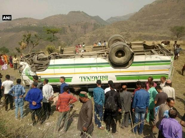 Seven killed as bus rolls down hill in Himachal