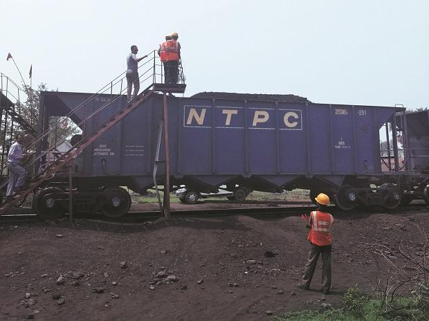Post-steam age, dusty queen chugs on from Rajmahal coal mine