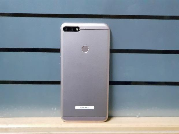 Honor 7C hands-on: Budget proposition with impressive camera