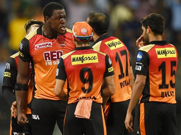 CSK vs SRH, IPL 2018, Sunrisers Hyderabad players celebrate the wicket of  Chennai Super Kings  batsman Deepak Chahar during the 1st IPL qualifer match played in Mumbai. Photo: PTI