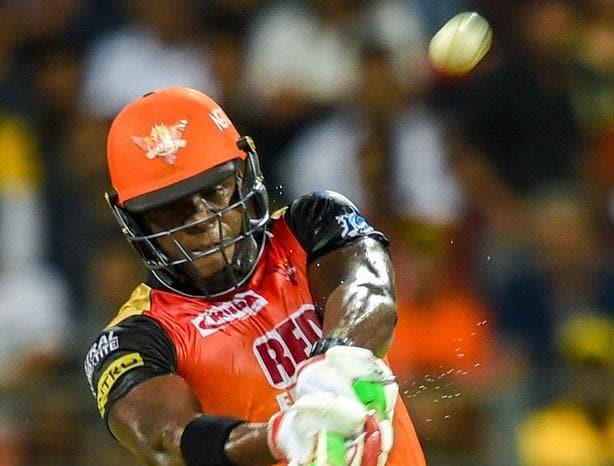 Carlos Brathwaite hits Shardul Thakur for consecutive sixes