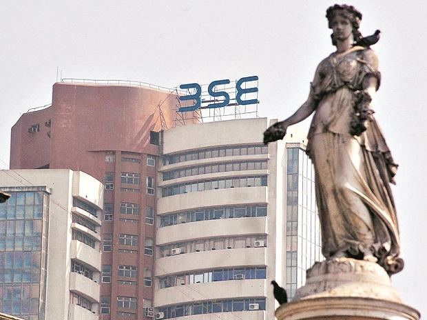 Markets end on flat note; Sensex falls 25 points, Nifty ends at 14,565