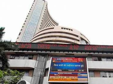 Sensex down 800 pts as global sell-off accelerates