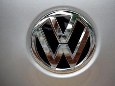 Volkswagen to recall 323,000 cars with cheat device, submits roadmap to NGT