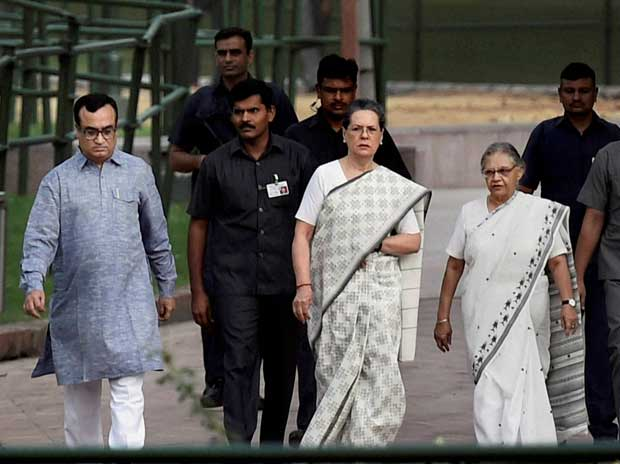 Sonia steps in to revive SP-Congress alliance talks