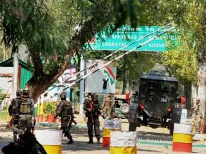 Attack at army base in Kashmir's Uri