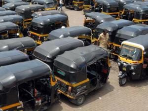 Auto-rickshaw strike: Chaotic day for commuters