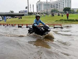Heavy rains hamper daily life in Delhi