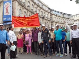 India shuts down as trade unions go on strike