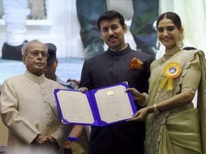 President Pranab Mukherjee honours National Film Award winners