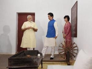 Shinzo Abe reaches India for a two-day visit