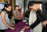 RBI Governor Raghuram Rajan at the exhibition organised by engineering students of Somaiya College