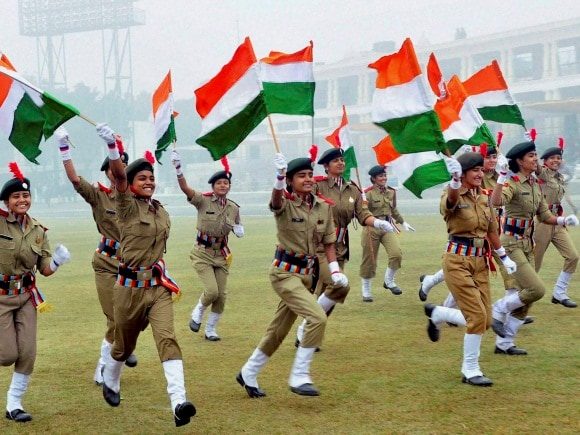NCC women, 67th Republic Day, Celebrations of India, National flags, Tricolour