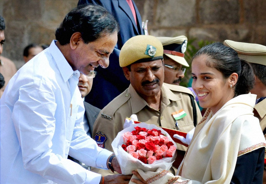 Telangana Chief Minister, K Chandrashekar Rao, felicitating, ace shuttler, Saina Nehwal, historic, Golkonda Fort, Hyderabad