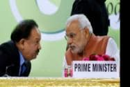 Prime Minister Narendra Modi with Union Minister for Health and Family Welfare Harsh Vardhan at the valedictory function