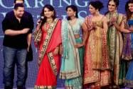 Aamir Khan with designer Shaina NC and models