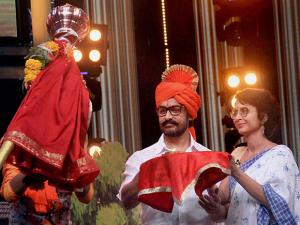Aamir Khan with his wife and filmmaker Kiran Rao on the sets of Marathi talk show 'Chala Hawa Yeu Dya' in Mumbai