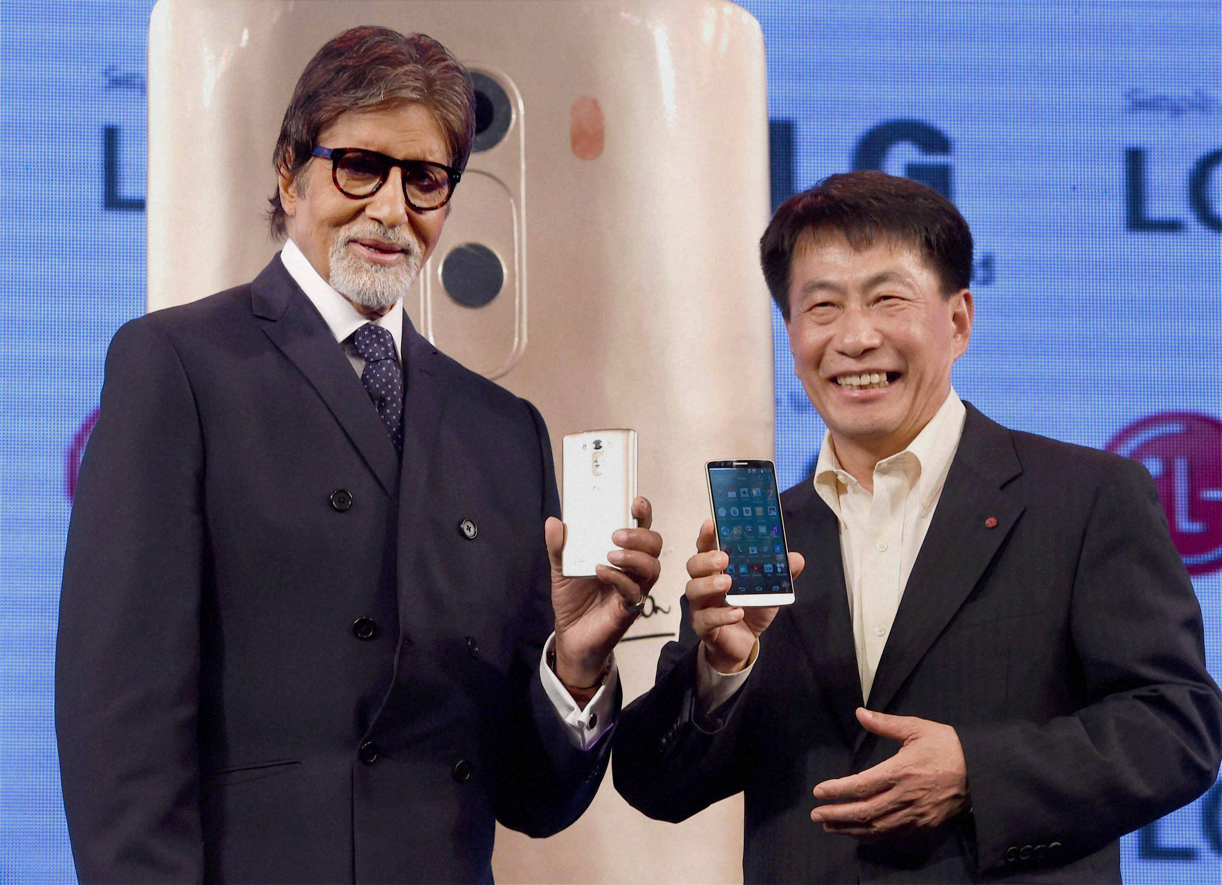 Bollywood actor, Amitabh Bachchan, Soon Kwon, MD, LG Electronics, India, launch, LG G3 Smartphone, Mumbai
