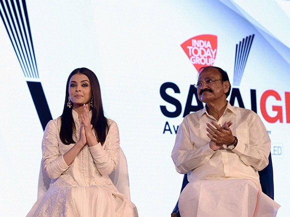 India Today, Aishwarya Rai Bachchan, India Today Safaigiri Award function, Venkaiah Naidu