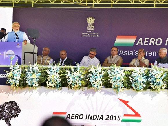 Aero India 2015, Prime Minister of India,  Narendra Modi, Defence Minister of India,  Manohar Parrikar, Karnataka Governor, Vajubhai Vala,
