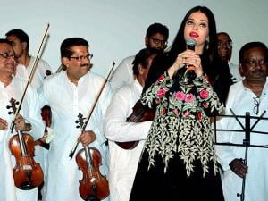 Aishwarya Rai at Marathi movie Hrudayantar music launch event
