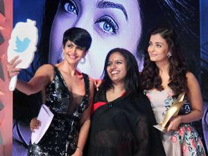 Aishwarya Rai Bachchan and Mandira Bedi at the Seventh Outlook Business Outstanding Women Awards