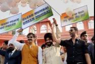 All-India Anti-Terrorist Front Chairman, Maninderjeet Singh Bitta with Bollywood actors Akshay Kumar and Vivek Oberoi