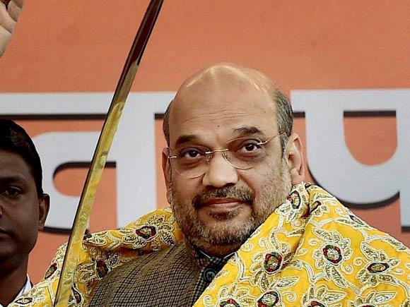 BJP President, Amit Shah BJP, BJP President Re-Election, Narendra Modi, BJP, BJP President 2016, Rajnath Singh, BJP workers with Amit Shah