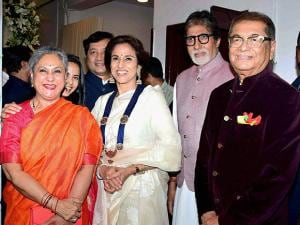 Art collector Dilip De with his wife Shobhaa De and Bollywood actors Amitabh Bachchan and Jaya Bachchan
