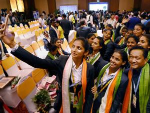 Indian women's hockey team players take a selfie