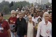 Veteran Bollywood actors Naseeruddin Shah and Amol Palekar participating in a protest march