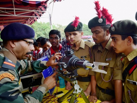 Army jawan, NCC cadets, Army Mela, Know Your Army Mela, Bangalore, Independence Day, 69th Independence Day
