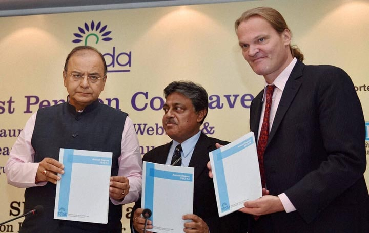 Finance Minister, Arun Jaitley, Chairman, Pension Fund, Regulatory, Development, Authority, (PFRDA), R V Verma,  Country Head, World Bank India, Onno Ruhl, release, PFRDA, Annual Report, First Pension Conclave