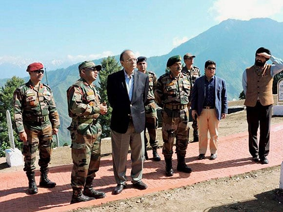 Arun Jaitley, LOC, Army, Defence Minister, Baramulla based, Indian Army