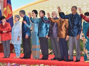 Narendra Modi with other leaders