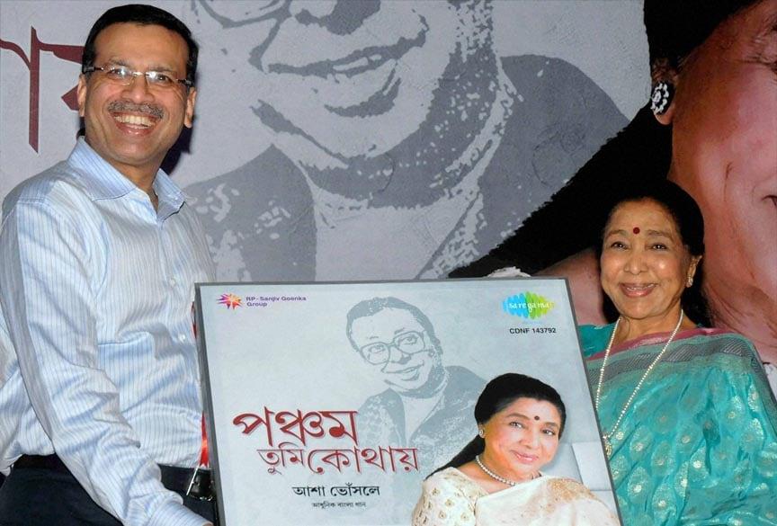 Legendary, singer, Asha Bhosle, releases, Bengali, musical, album, Durga, puja, Kolkata
