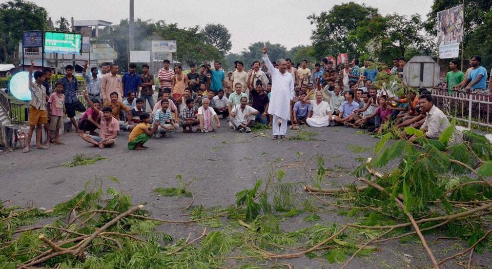 Members, various, organizations, protesting, National Highway, 39, Telgaram, Golaghat