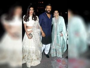 Sunil Shetty with his wife Mana Shetty and actress-daughter Athiya Shetty