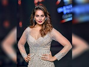Bipasha Basu walks the ramp at Fashion Tour 2016 04