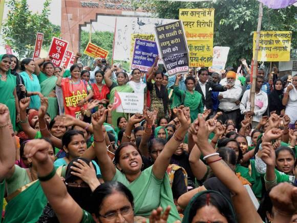 Bharat bandh, Trade unions, Trade unions strike, Bharat bandh photos, Trade union workers, Country-wide one-day strike, Moradabad