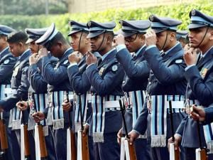 Air Force personnel adjust their caps ahead of guard of honour for the new Air Chief air marshal Birender Singh Dhanoa