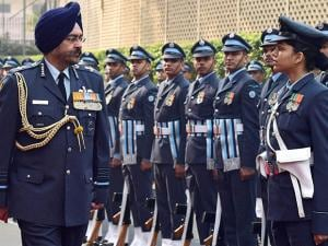 New Air Chief Birender Singh Dhanoa takes guard of honour at air headquaters