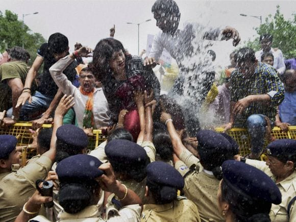 BJP, AAP, Tax, Petrol, Diesel, Arvind Kejriwal, Satish Upadhyay, BJP Worker, AAP Government