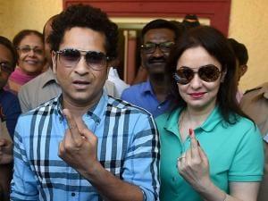 Sachin Tendulkar along with wife Anjali Tendulkar