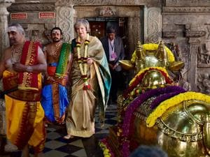 British Prime Minister Theresa May, donning a saari, offering prayers at the Someshwara temple in Bengaluru