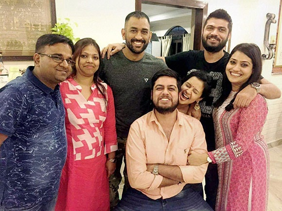 Dhoni, Diwali, MS Dhoni, Mahendra Singh Dhoni, Diwali festival, friends