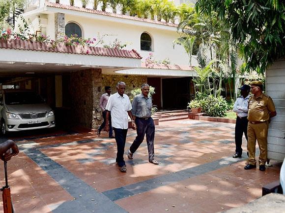 Karti Chidambaram, Nungambakkam bungalow, CBI, raid,