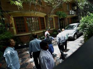 The residence of founder and executive chairman of NDTV, Prannoy Roy,  where the  CBI conducted raids