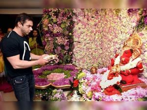 Sohail Khan offers prayers to Lord Ganesh