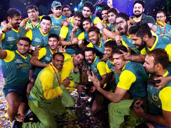 Pro Kabaddi 2016, Patna Pirates team, U Mumba team 2016, U Mumba, mohit chhillar, Rohit Kumar, pro kabaddi final highlights, pro kabaddi highlights